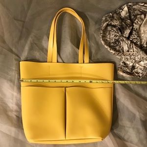 Neiman Marcus Bags - NEIMAN MARCUS GORGEOUS FAUX LEATHER 👜
